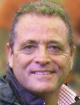 Nacido en San Fernando de Cádiz en 1958, Pedro Espada Lobato lleva más de 35 años socorriendo a los más necesitados. Vocación que hereda en alguna medida de ... - 20121031-3b