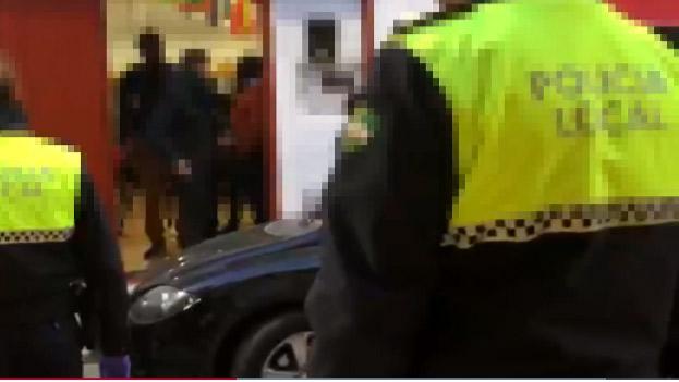 La Policía de Málaga entra en el local de culto evangélico